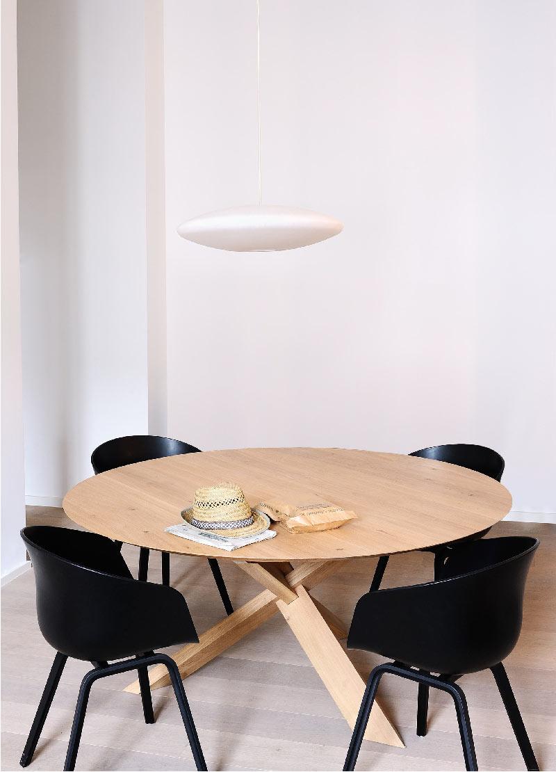 tavolo da pranzo dal design scandinavo