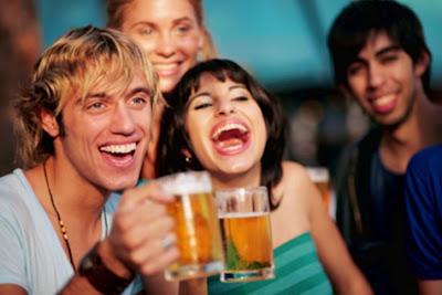 Không hút thuốc lá hay uống rượu bia không tốt cho tiêu hóa