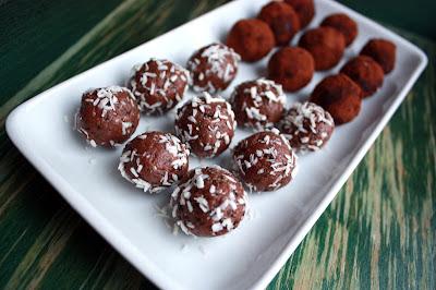 Oppskrift Sjokoladetrøfler Proteinpulver Sunt Godteri Sjokoladekuler