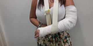 Λάρισα: Κοίταξε την ακτινογραφία και έδωσε στη δημοσιότητα τη γνωμάτευση των γιατρών – Η οργή της κοπέλας