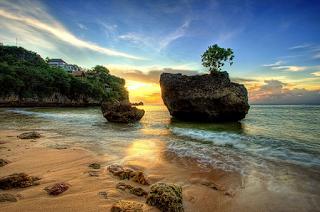 Tempat WIsata Di Bali - Pantai Padang Padang