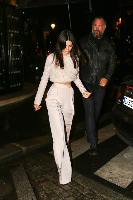must have winter jackets, winter fashion trends 2017, winter fashion 2017, how to style denim jacket, how to style trench coat, how to style fur coat, winter outfits 2017, snow weather outfits, kendell jenner street style, kendell jenner winter outfits, street style winter outfits, winter street style, delhi winter, how to style leather jacket,beauty , fashion,beauty and fashion,beauty blog, fashion blog , indian beauty blog,indian fashion blog, beauty and fashion blog, indian beauty and fashion blog, indian bloggers, indian beauty bloggers, indian fashion bloggers,indian bloggers online, top 10 indian bloggers, top indian bloggers,top 10 fashion bloggers, indian bloggers on blogspot,home remedies, how to