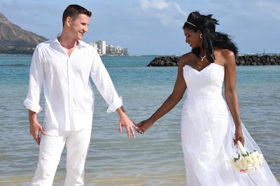 Romantic Honolulu Wedding