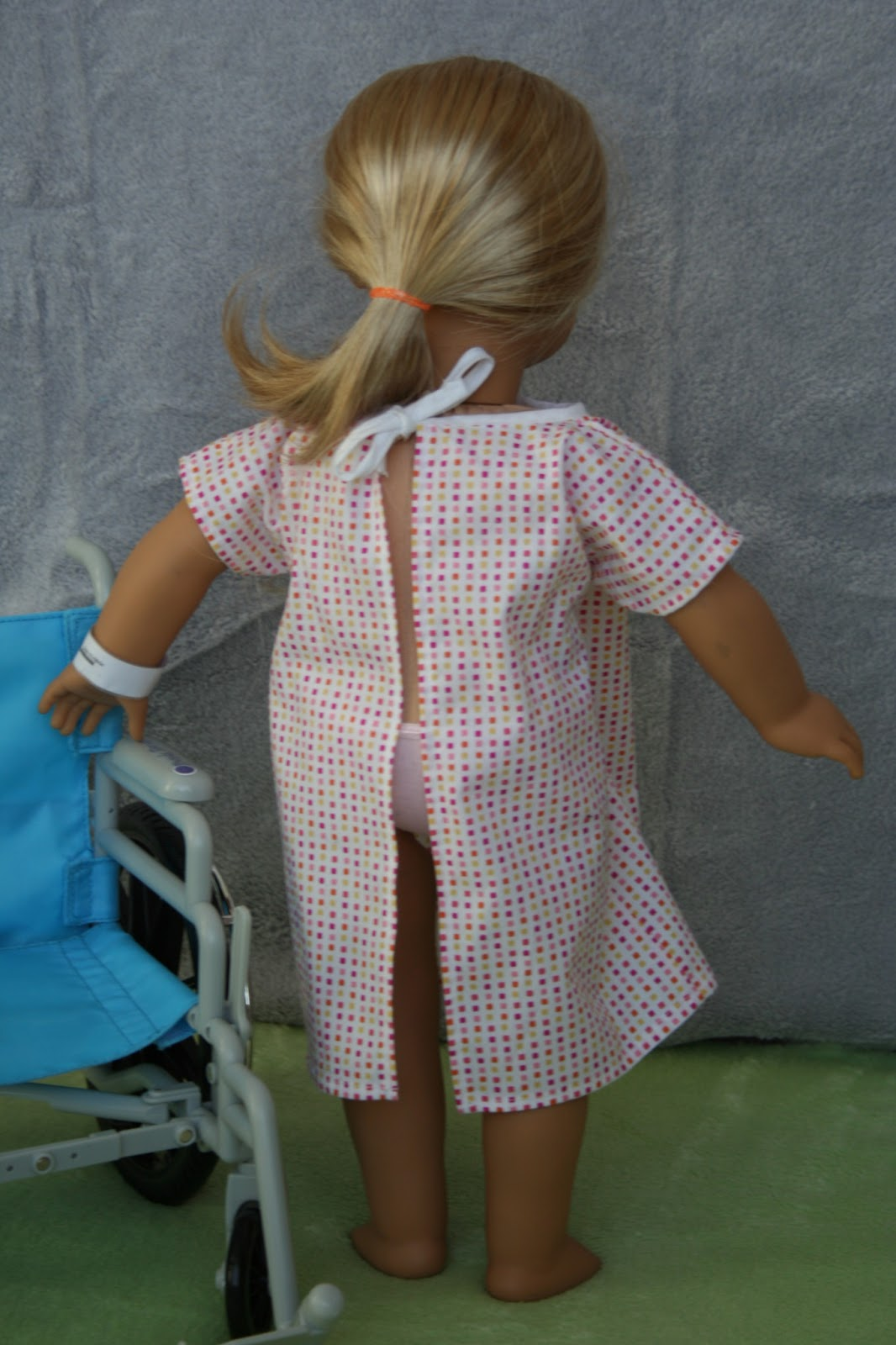 Arts and Crafts for your American Girl Doll: Hospital Gown and wrist ...