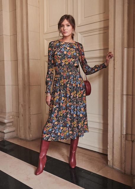 Платье с цветочным принтом с широкой резинкой на талии для фигуры прямоугольник