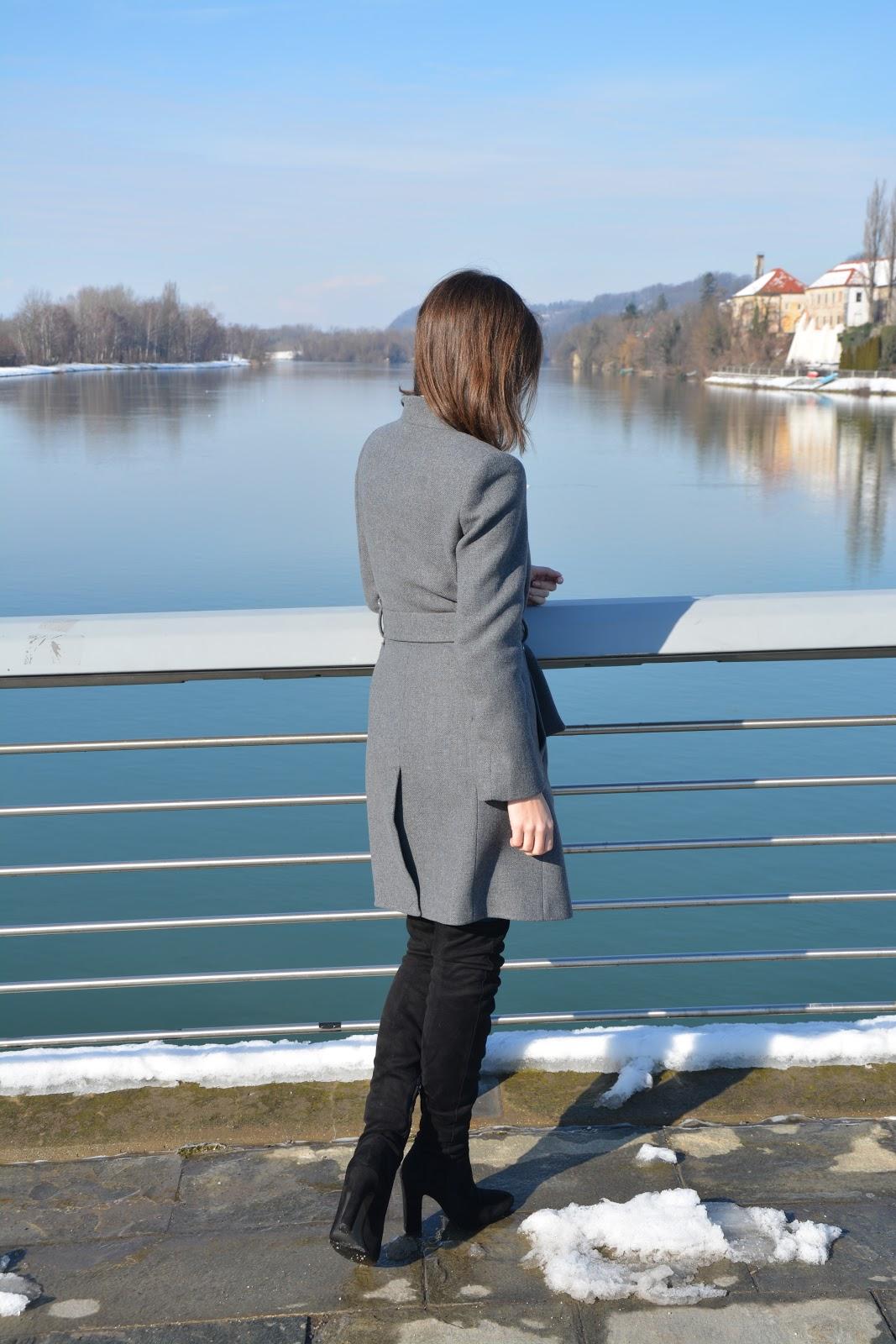 fashion-mango-coat-knee-boots