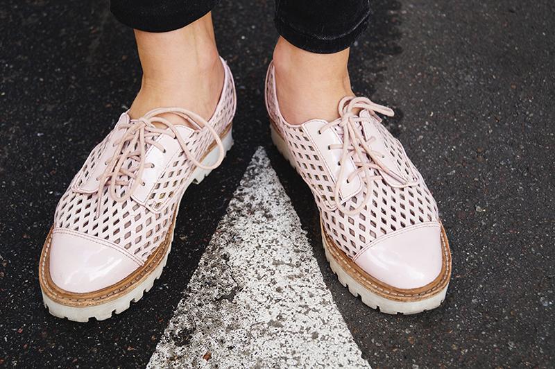 Розовые ботинки и косуха