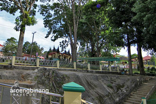 taman panorama dan lobang jepang bukittinggi