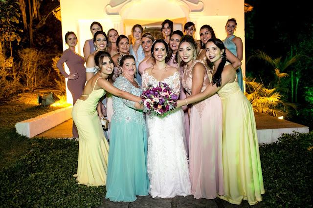Noiva e madrinhas - foto: Bruna Louzada
