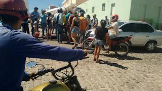 Pequeno acidente envolve moto e carro no centro de Picuí