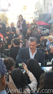 Ray Stevenson signing autographs