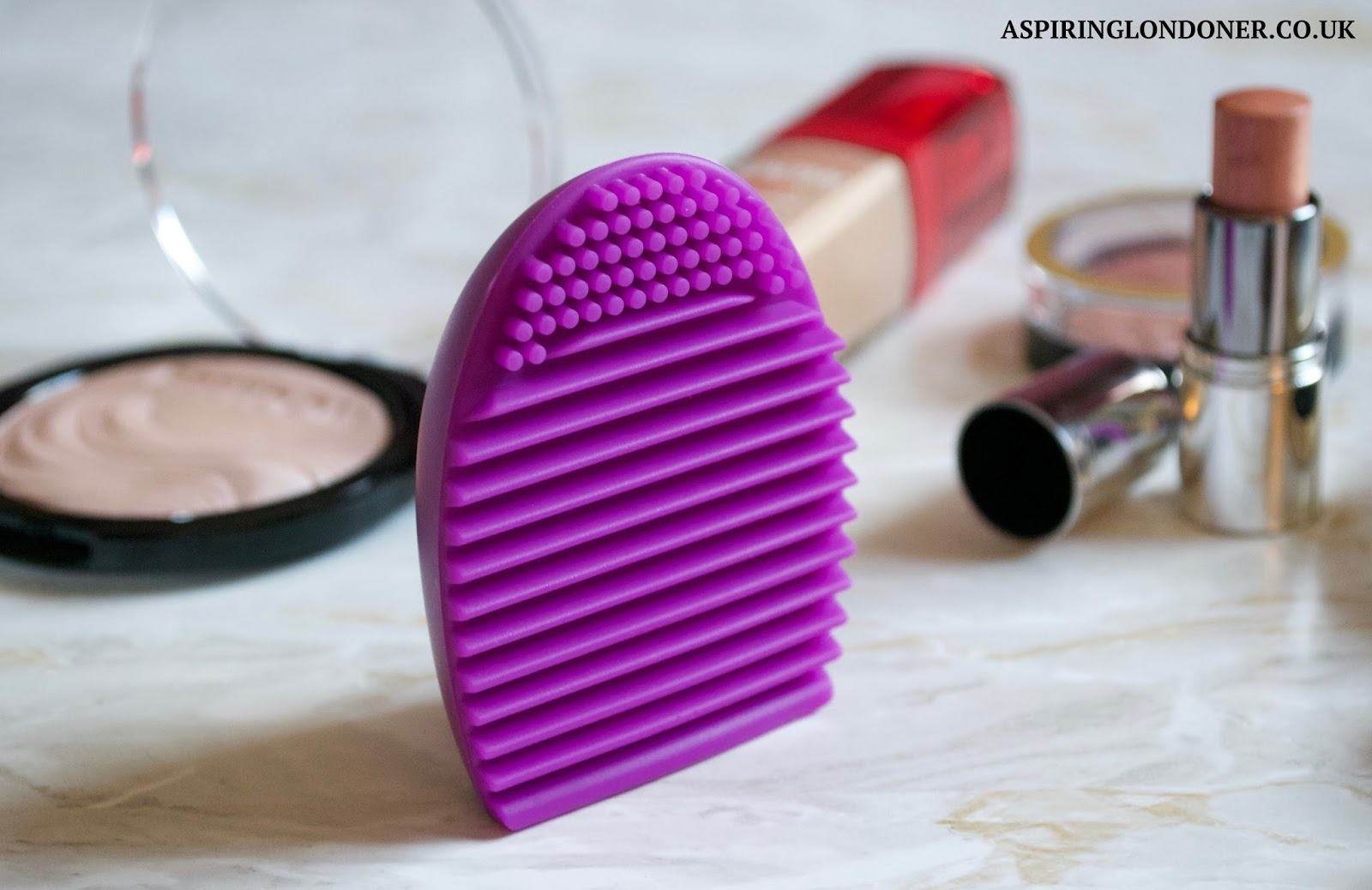 Makeup Revolution Pro Cleanse Brush Tool Review - Aspiring Londoner