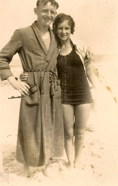 Photo of unidentifed young couple at the beach. Possibley connected to the Dixon family.