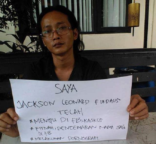 Kabar terbaru pelecehan islam seorang admin Fan Page Indonesian Hoaxes Community Jackson Leonardy Firdaus dihakimi para netizen atas penipuan