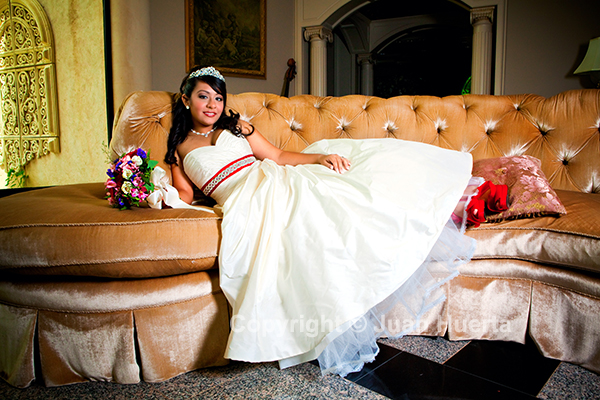 Quinceanera photography in Houston by Juan Huerta. Copyright © Juan Huerta. All Rights Reserved