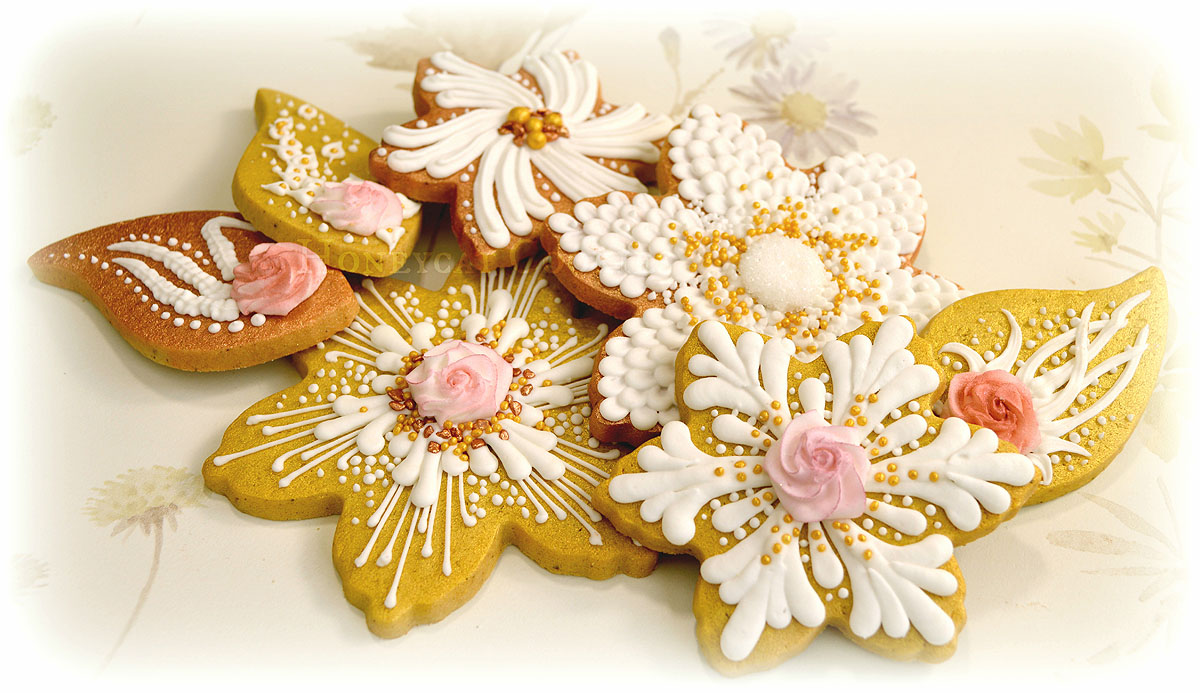 Honeycat Cookies: My Thoughts on Royal Icing (apparently I have a lot)