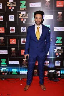 Bollywood Celebrities on the Red Carpet Of Zee Cine Awards 2017 Exclusive 038.JPG