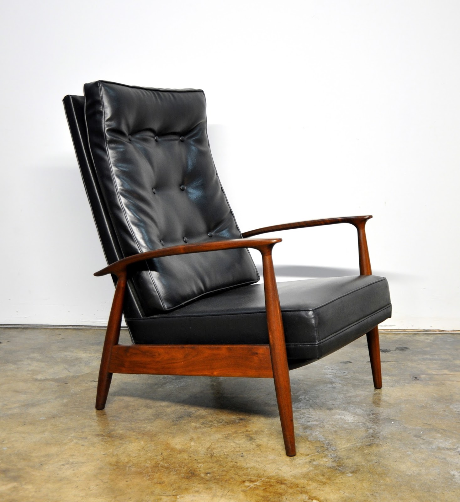 SELECT MODERN Milo Baughman for Thayer Coggin Inc Recliner Lounge Chair