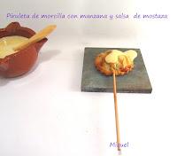 Piruletas de morcilla con manzana y salsa de mostaza