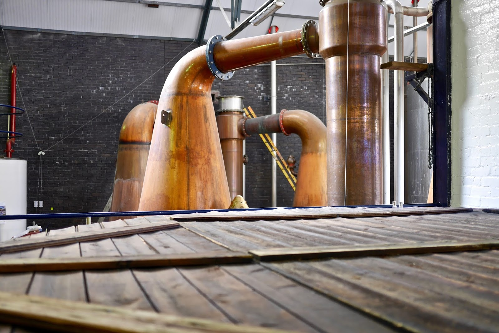 Tullibardine whisky distillery tour including stills, wash, wart and tasting rooms