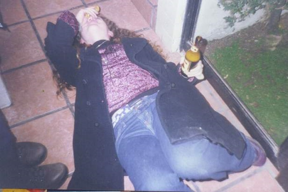 Policia denuncia violacion pero estaba borracha