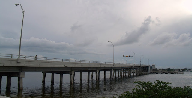 El Indian River y el North Causeway entre Fort Pierce y North Hutchinson Island al comienzo de la ruta