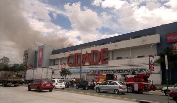Curitiba Capital dos Shoppings Queima de estoque