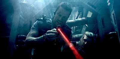Lockout Film mit Guy Pearce.