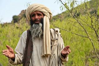 Adab Berpakaian Dalam Islam Beserta Dalilnya yang Shahih