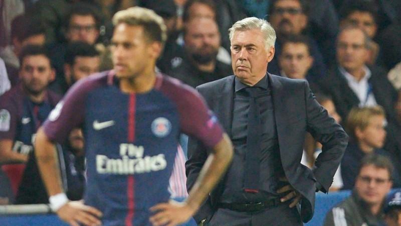 Carlo Ancelotti saat Bayern dikalahkan PSG
