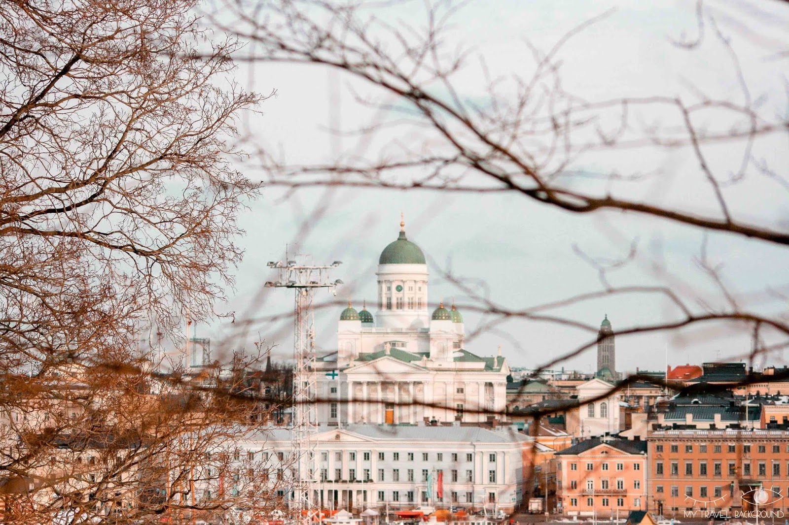 My Travel Background : 2 jours pour découvrir Helsinki, la capitale de la Finlande - Vue sur la Cathédrale Luthérienne depuis le parc de l'ancien observatoire