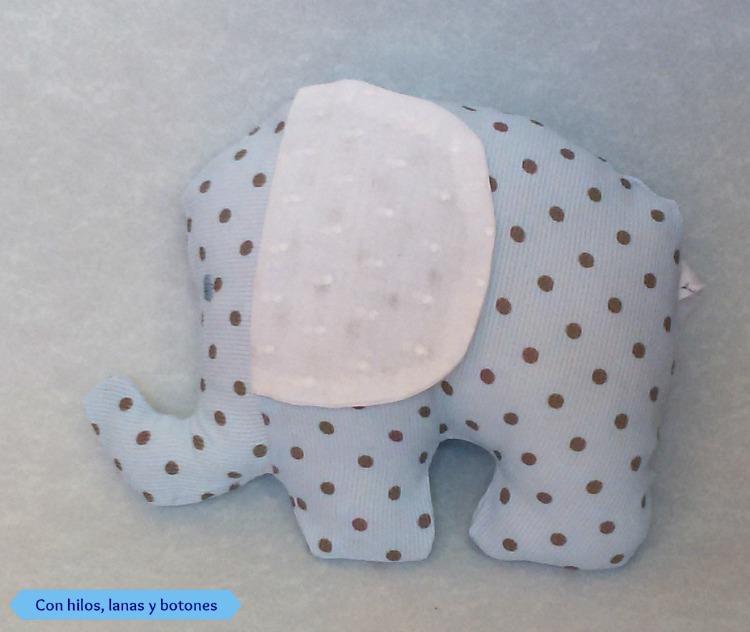 Con hilos, lanas y botones: elefante de tela