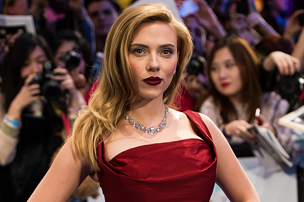 Erotic novel about Scarlett Johansson will be released in English