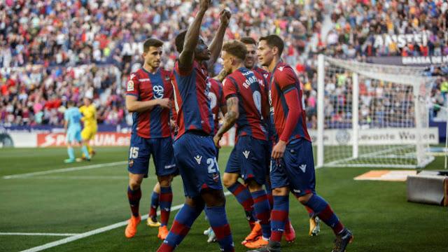 Video Levante - Barcelona: Đại địa chấn & 2 hat-trick mãn nhãn