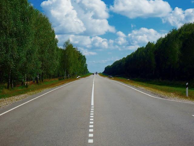 Droga prosta jak strzała - briańska oblasti, Rosja.