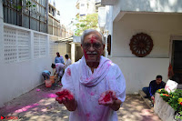 Gulzaar Celeting Holi at his Home 13 03 2017 012.JPG