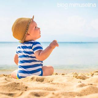 con cuántos meses llevar a un bebé a la playa cuando bañar por primera vez a un recién nacido en el mar o en la piscina blog mimuselina