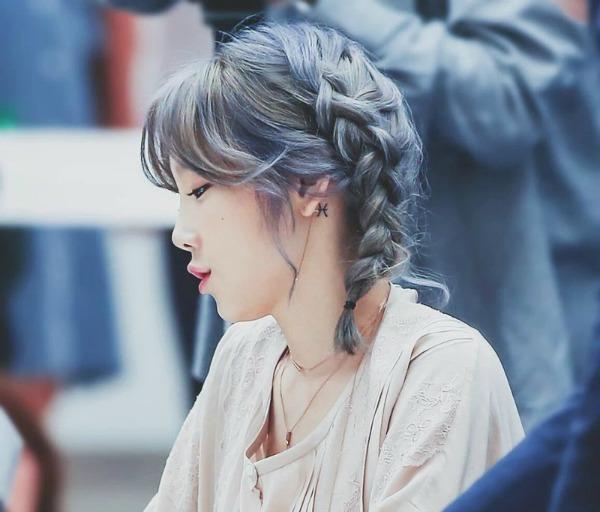 [TỔNG HỢP] Hình xăm của Taeyeon ERy0Xdq
