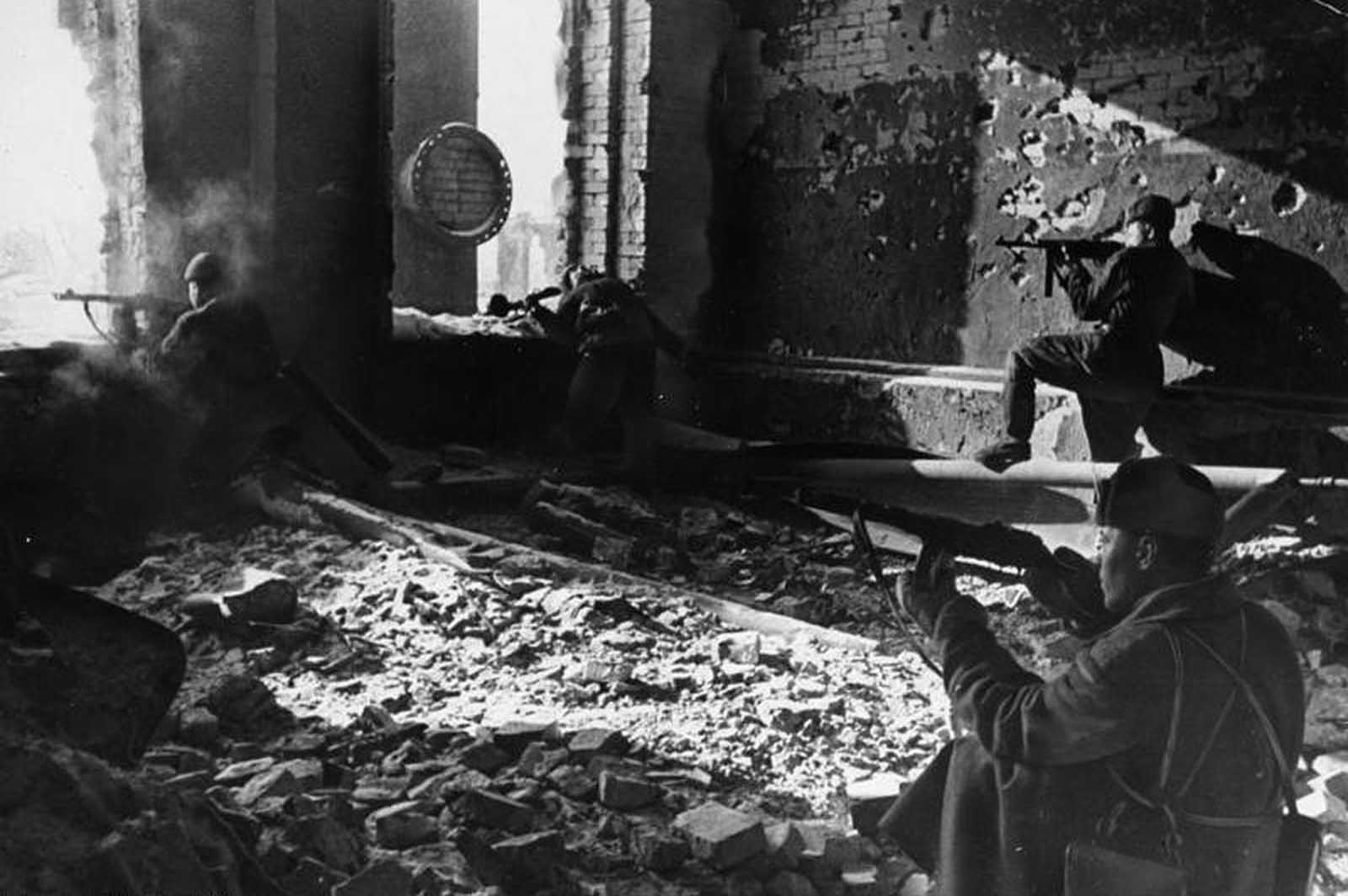 Stalingrad in October of 1942, Soviet soldiers fighting in the ruins of the factory