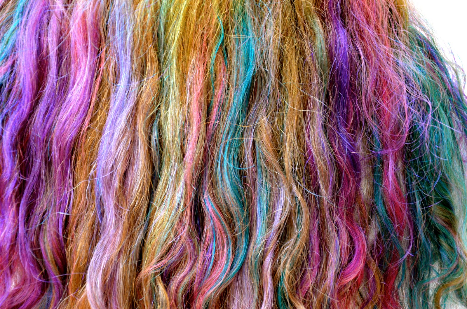 Hukum Mewarnai Rambut Bagi Pemuda Yang Belum Beruban  b159f0f9ec