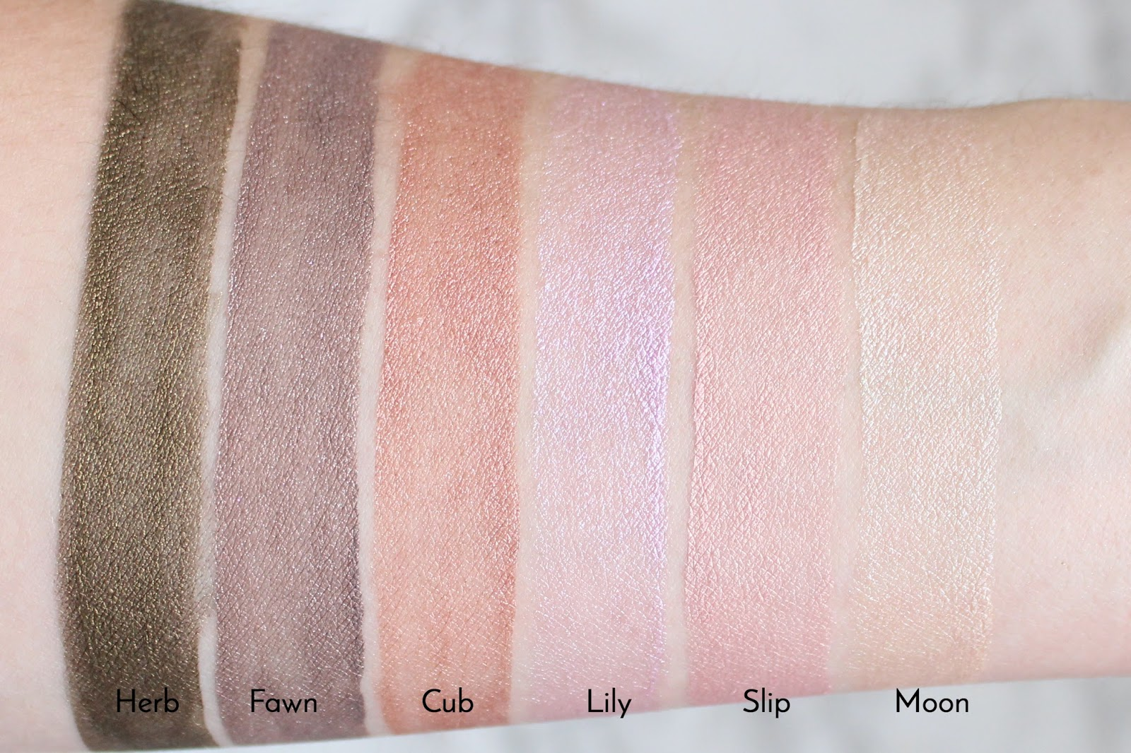 Glossier Lidstar Eyeshadow | Review & Swatches