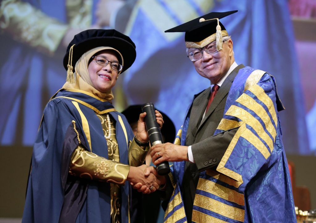 Unstinting dedication to causes earns Halimah Yacob NUS honorary doctorate