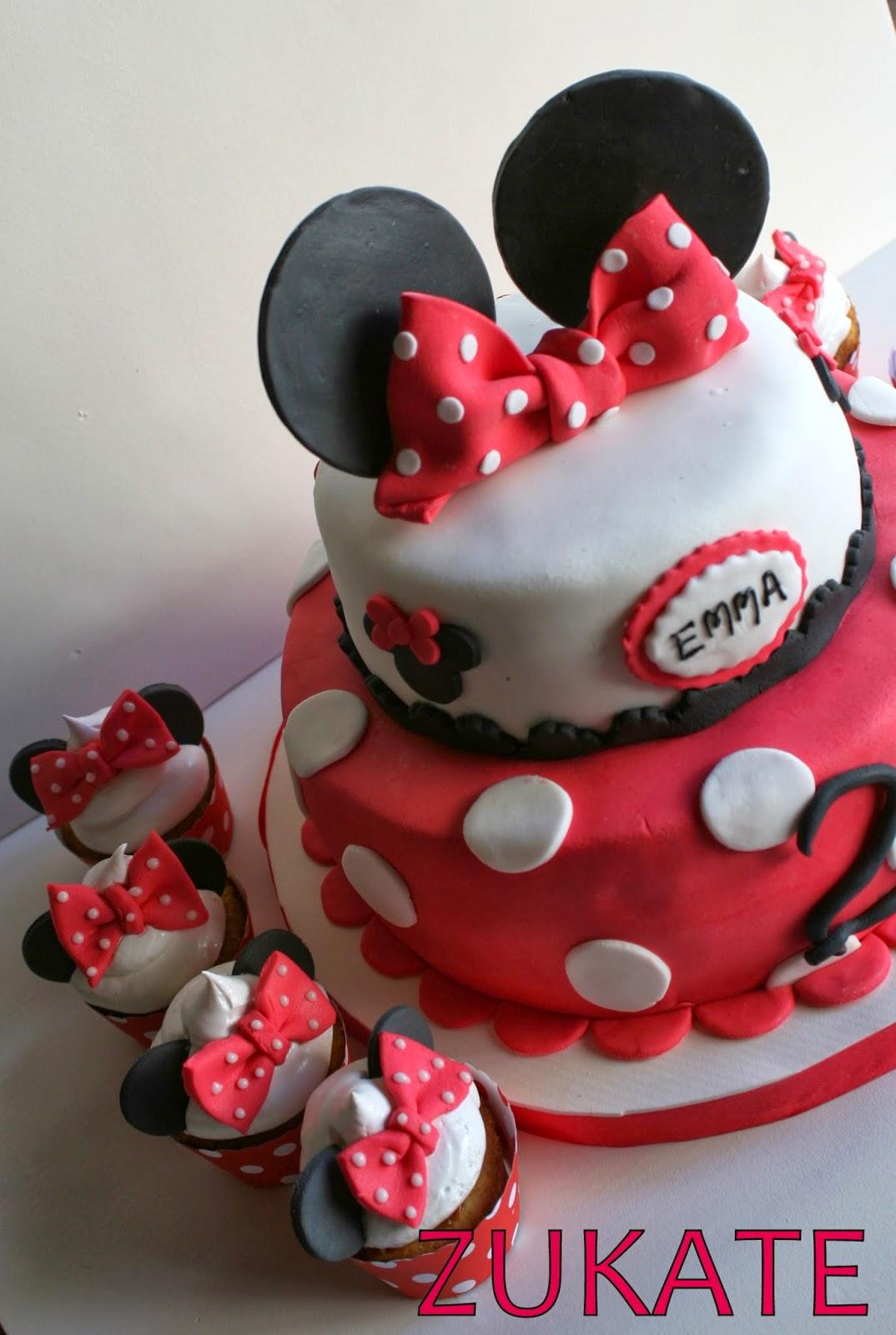 Torta Y Cupcakes De Minnie Mouse Para Emma Zukate