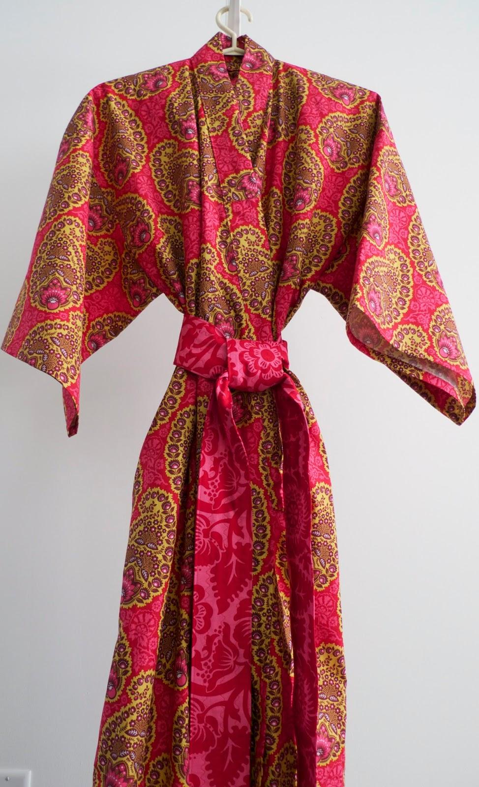733c173bdc Quilt Inspiration  Modern Robe