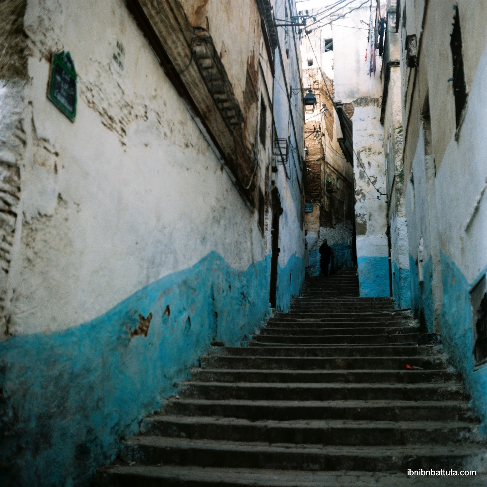 Algiers: (Re)navigating The Invisible City