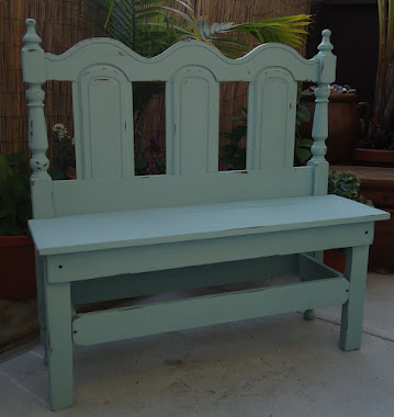 Repurposed Headboard to Charming Bench