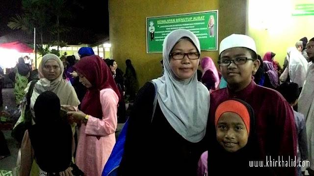 Keluarga di Masjid Bandar Tasik Puteri