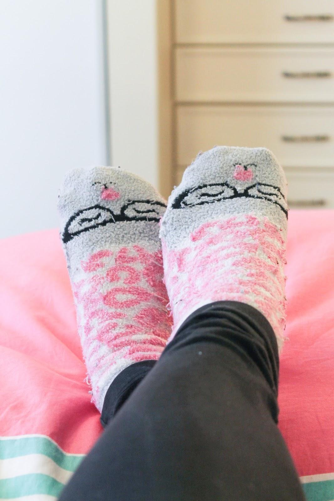 fuzzy bath and body works socks