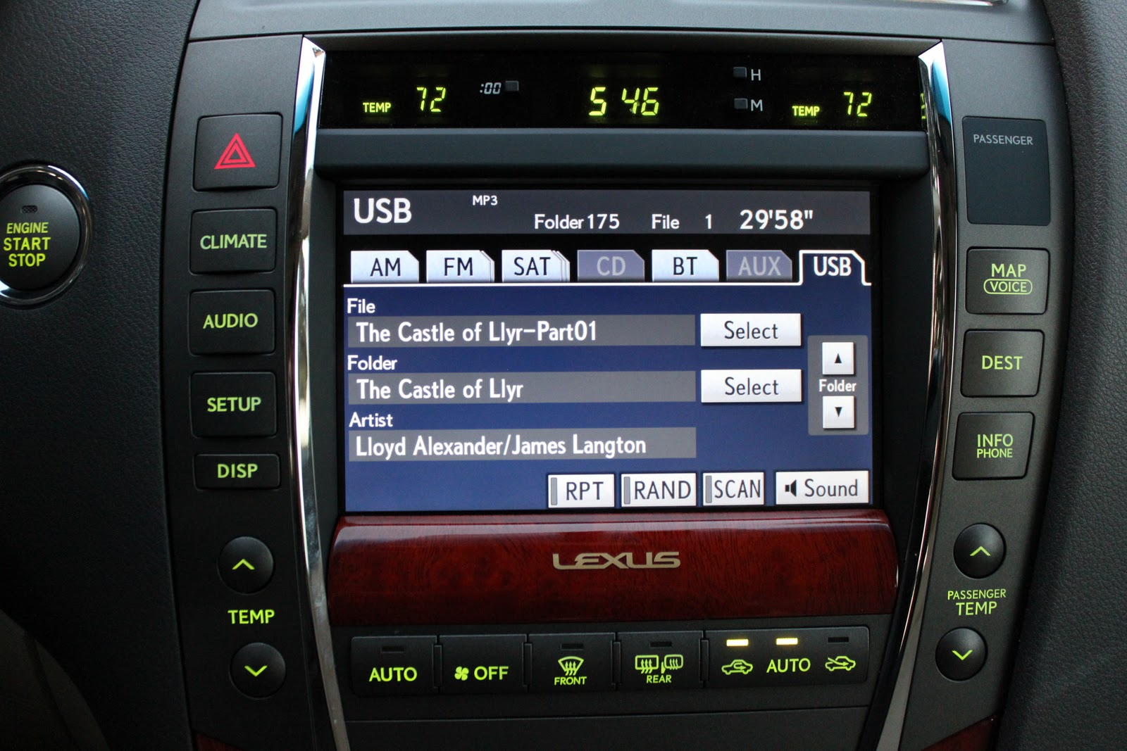 My Life in the Tech World: 2011 Lexus ES 350 Electronics Review