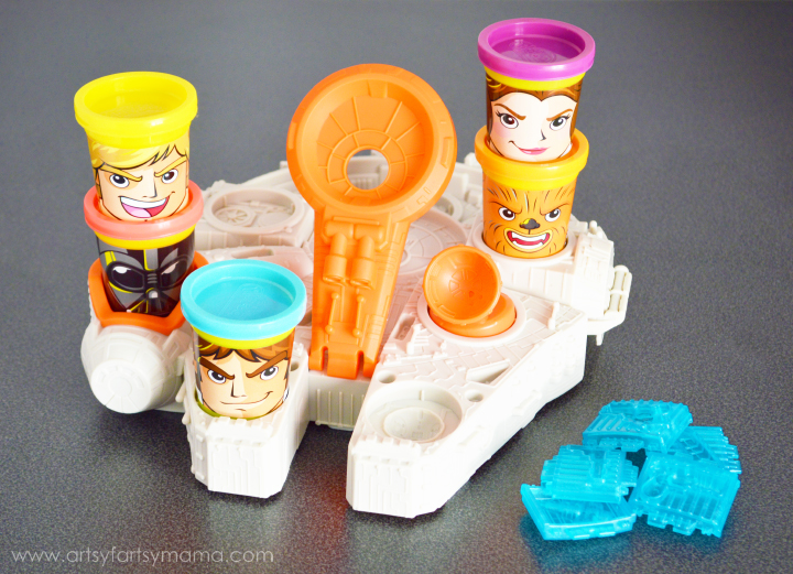 Play-Doh Star Wars Playset with Free Printable Star Wars Gift Tags at artsyfartsymama.com